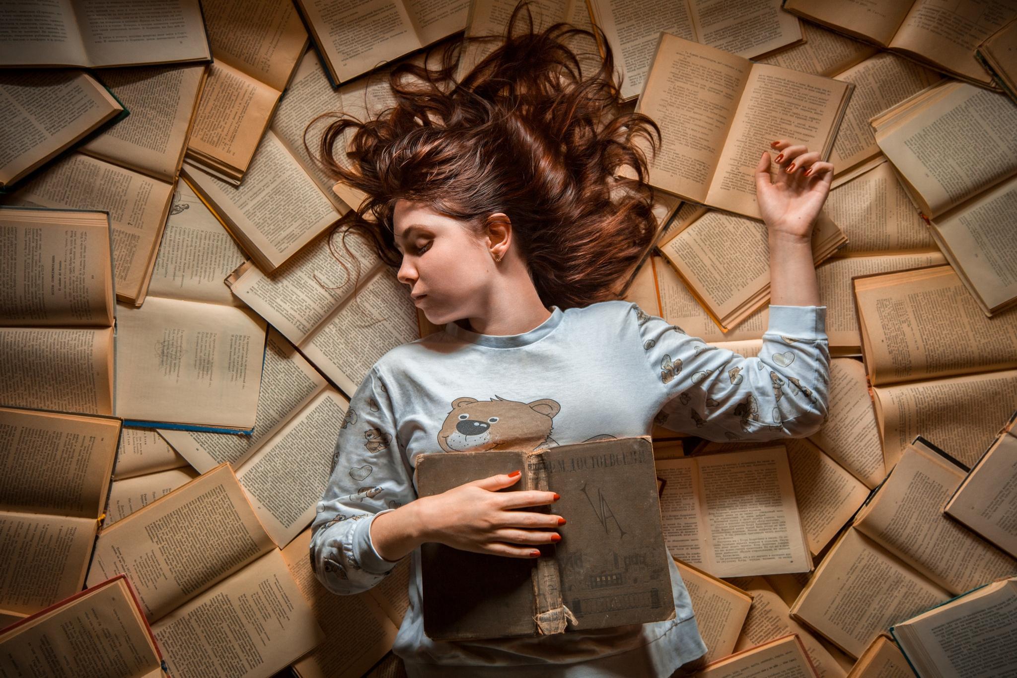 Membaca Karya Fiksi Memang (Kadang) Tidak Berguna - Hibernasi BASABASI.CO