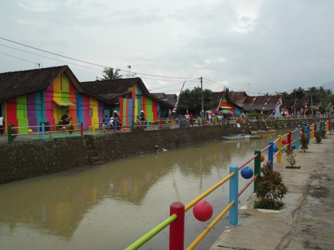Kampung Pelangi di Desa Bejalen Semarang, Spot Selfie Baru Generasi Milennial