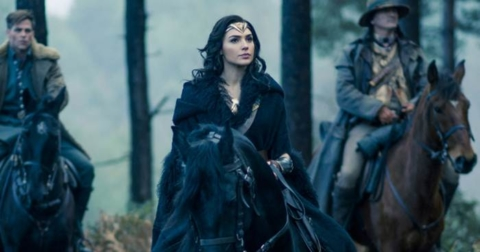 Review Film Wonder Woman Plus Surat Cinta untuk Gal Gadot
