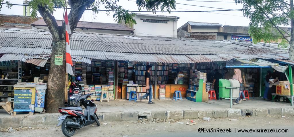 Surga Buku di Pasar Palasari, Saksi Sejarah Tumbuhnya Tunas-Tunas Peradaban