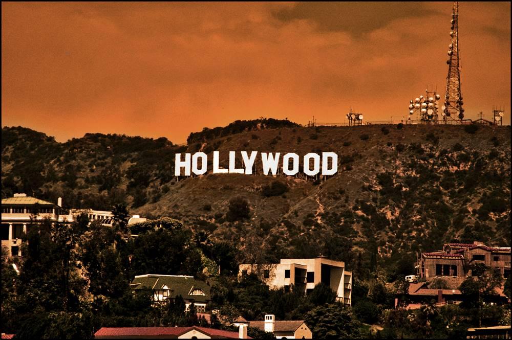Produk Pemutih Itu Bernama Hollywood